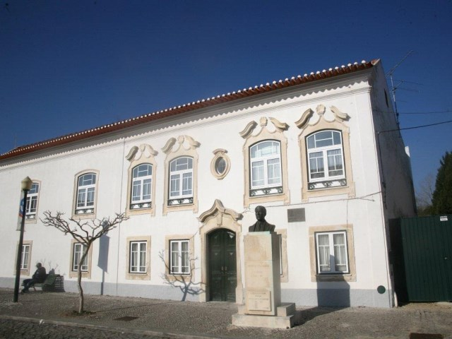 Casa e Busto de António Lima Fragoso